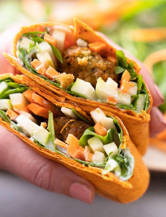 Frisse groentenwraps met falafel (video)