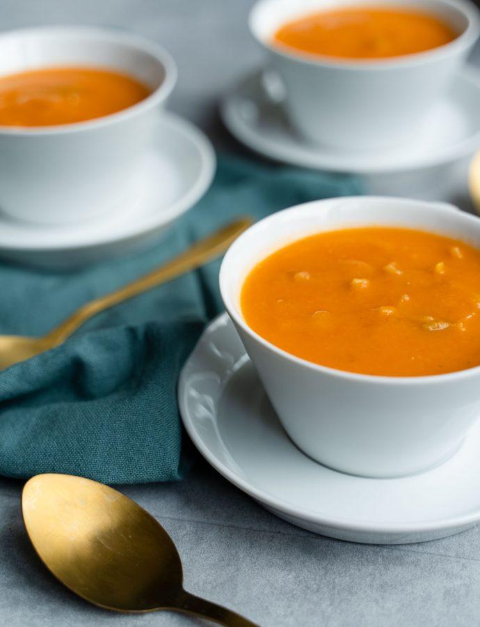 Pastinaak tomatensoep met prei en gember
