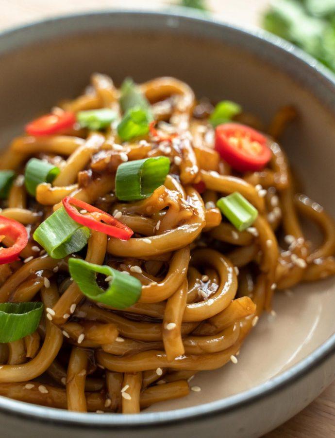 Udon noodles met teriyaki saus